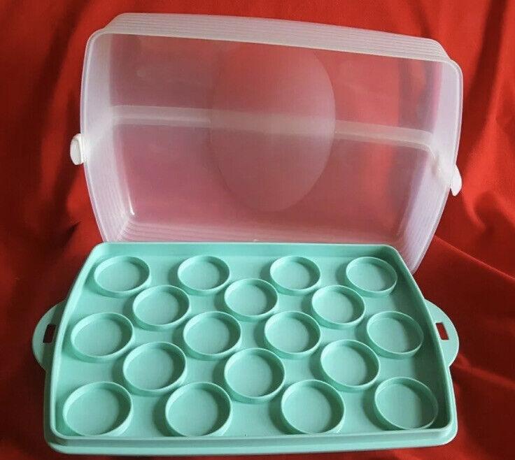 NEW Tupperware Rectangular Cupcake Cake Taker Carrier 11X16 Sheer & Mint Green