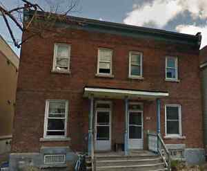 4 bedroom house steps from UOttawa, summer sublet