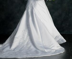 Wedding Dress for sale - make me an offer