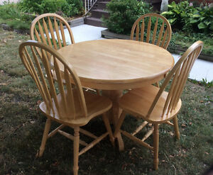 Buy Or Sell Dining Table Sets In Windsor Region Furniture Kijiji Cl