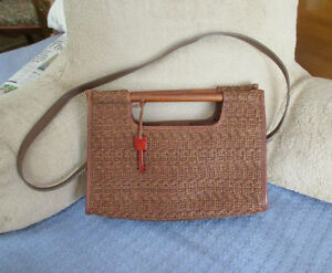 FOSSIL Woven Straw & Leather Purse - Hand & Shoulder Strap - NEW