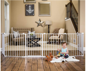 Gorgeous baby gate/play yard