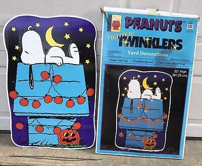 Peanuts Snoopy Lighted Yard Art Decoration 32