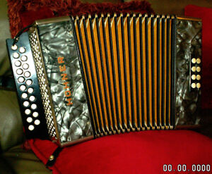 HOHNER Pearloid Vienna accordion G/C
