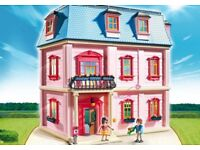 Brand New Unopened Playmobil Deluxe DollHouse 5303