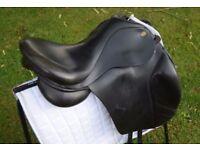"""17.5"""" Black Original Fairfax Adjustable Dressage Saddle"""