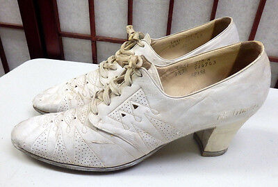 Antique WWI White Leather Womens Edwardian Nurse Oxford 1910-20s Tie Shoes Heels