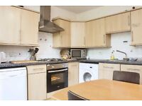 Split Level 3 bed apartment next to OLD STREET tube