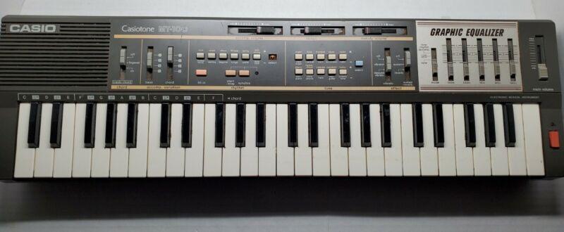 Vintage Casio Casiotone MT-100 Keyboard Works!