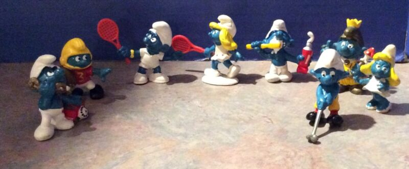 Vintage Lot of  8 Peyo Schleich Smurf PVC Mini Figures - Tennis, Golf, Football
