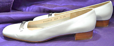- SALVATORE FERRAGAMO slide loafer Low Heel pumps Italy 7 AA White leather shoes