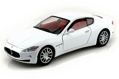 Maserati Gran Turismo, White Showcasts 73361 1/24 Scale Diecast Model Toy Car