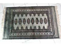 BEAUTIFUL- 25 YEAR OLD GENUINE -TRADITIONAL PAKISTAN HAND KNOTTED BOKHARA RUG - EXCELLENT CONDITION