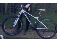 STOLEN Saracen Zen Mountain Bike