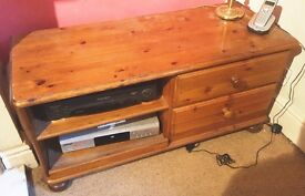 Pine TV Cabinet with 2 Drawers and 2 Shelves