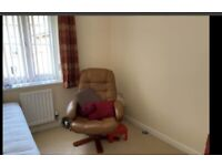 Room to rent in Horfield, close to Southmead Hospital. 500 pounds (Bills included) Bythesea