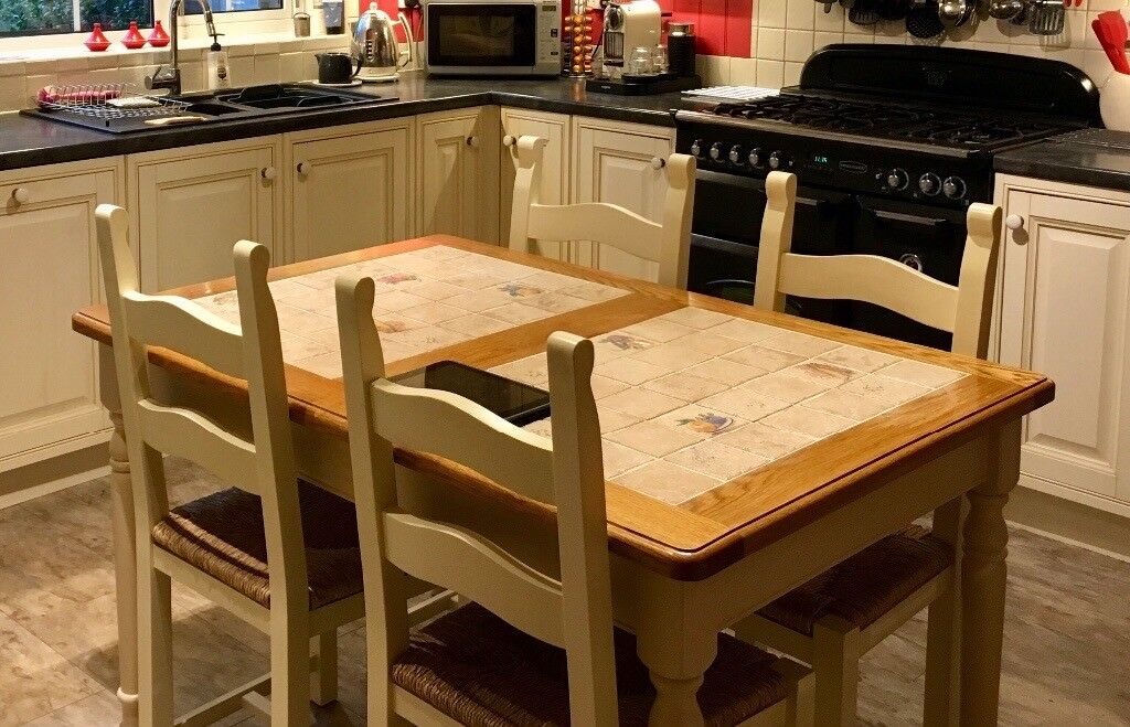 Set of 4 Country style Kitchen/Dining Chairs