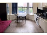 LOVELY STUDIO FLAT IN EALING AVAILABLE NOW FOR £925 PCM WITH UTILITY BILLS AND COUNCIL TAX INCLUDED!