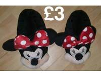 Minnie mouse slippers size 5