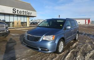 2012 Chrysler Town & Country TOURING - L LEATHER! NEW TIRES!!