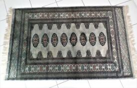 BEAUTIFUL- 25 YEAR OLD - GENUINE - PAKISTAN HAND KNOTTED BOKHARA RUG -EXCELLENT CONDITION
