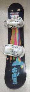 Snowboard (132 cm) and bindings