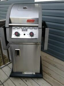 COLEMAN 2-BURNER EVEN HEAT SMALL SPACES BBQ--NATURAL GAS