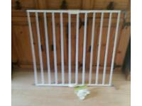 Stair gate extendable. Lindam