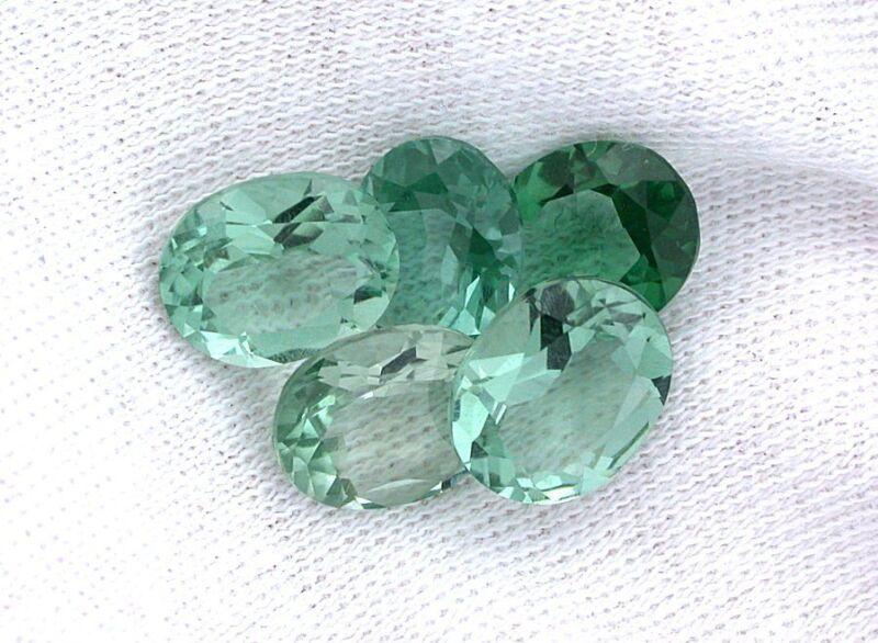 One 10x8 10mm x 8mm Natural Green Oval Fluorite Gemstone Gem Stone EBS8214