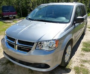 2014 Dodge Grand Caravan SXT LOW KMS!