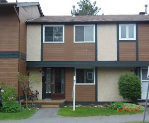 4 Bedroom TOWNHOUSE condo - 10 min to DOWNTOWN - for Oct. 1