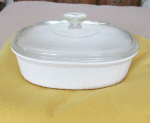 Corning Ware 2.8L French White Casserole Dish with Lid