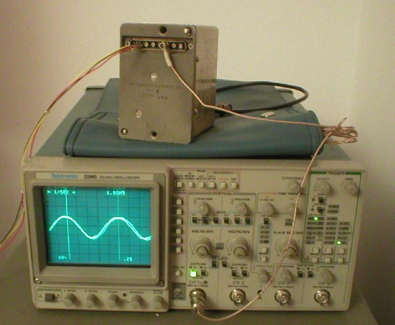 MILITARY 5 MHZ FREQUENCY STANDARD OSCILLATOR!!!!!