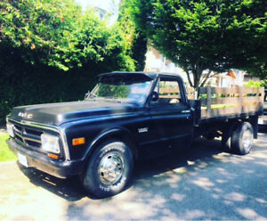 1971 GMC 1 ton 3500 c30 Dually 4 speed