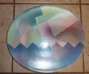 2 decorative John Bergen plates (made in Canada), $ 10 each Kitchener / Waterloo Kitchener Area image 1