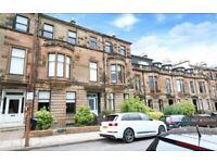3 bedroom flat in Victoria Crescent Road, Glasgow, G12 (3 bed) (#1133765)
