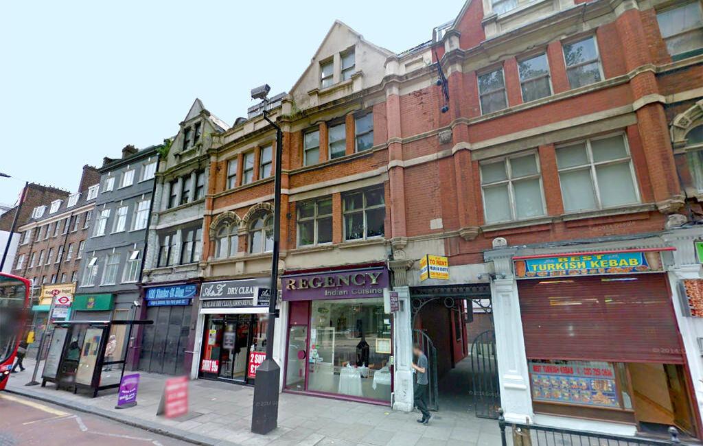 Studio flat in 96A Old Street (1), Clerkenwell, London, EC1V 9AY