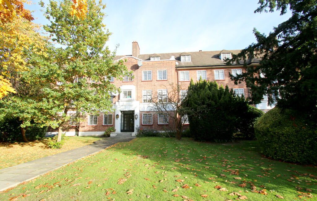 1 bedroom flat in 11A Widecombe Court, Lyttleton Road, East Finchley, London, N2 0HN