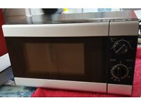 Tesco basic 700W microwave oven approx 6 months old