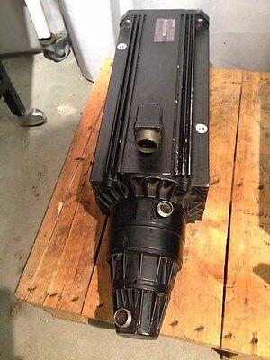 Indramat Servomotor MAC112C-0-KD-4-C/180-B-2 / WI511LV / S029 Part 255716