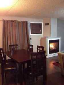 RECENTLY RENOVATED 2 BEDROOM APARTMENT IN A 4 PLEX