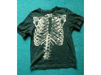 Hallowe'en Skeleton t shirt Age 7-8