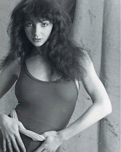 Kate-Bush-in-Leotard-BW-10x8-Photo