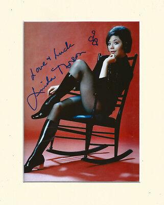 Linda Thorson Avengers (LINDA THORSON THE AVENGERS TARA KING SEXY PP MOUNTED 8X10 SIGNED AUTOGRAPH PHOTO)