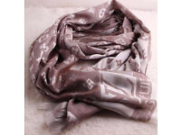 LOUIS VUITTON scarf