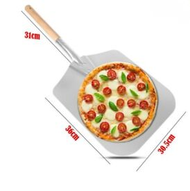 NEW PIZZA PADDLE SIZE MEDIUM GREAT FOR BBQ'S AND PIZZA SUMMER PARTIES