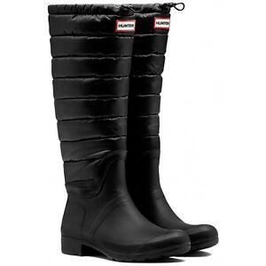 Quilted size 7 Hunter boots in black