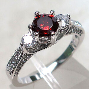 ADORABLE 1 CT GARNET 925 STERLING SILVER RING SIZE 6