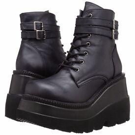 Demonia goth platform boots size 5 brand new still PUO