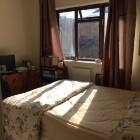 Double room available now to rent